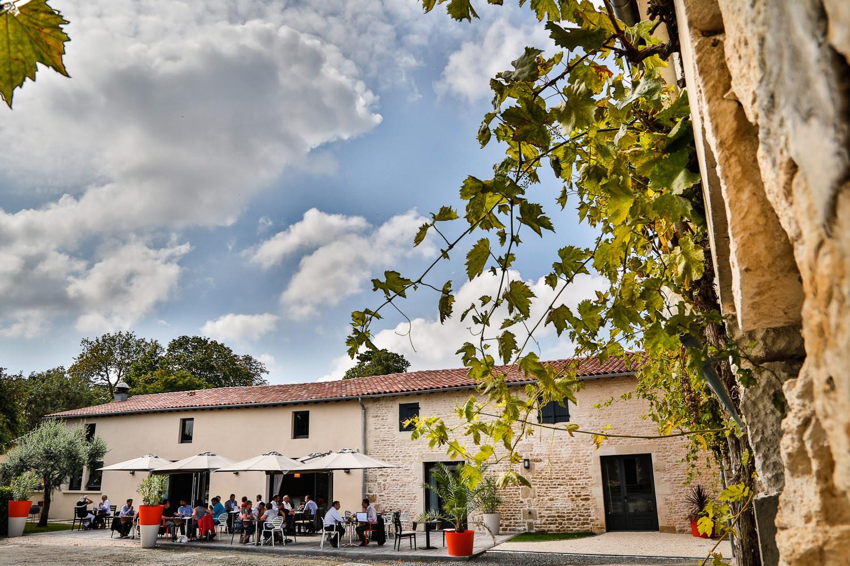 Cadre naturel exceptionnel - Restaurant de Tradition La Virgule - Niort